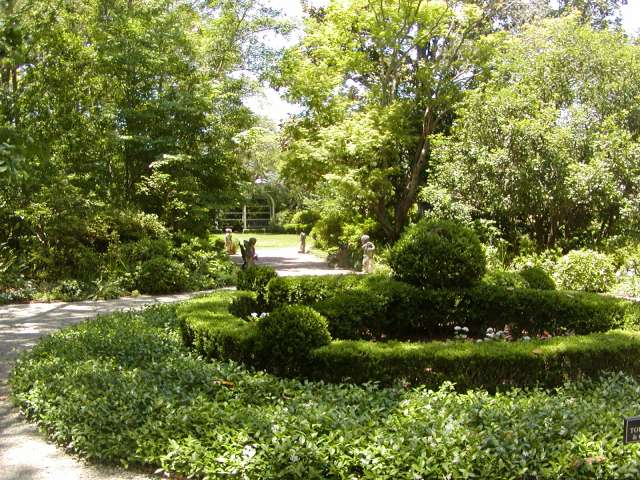 Nathaniel Russell House gardens